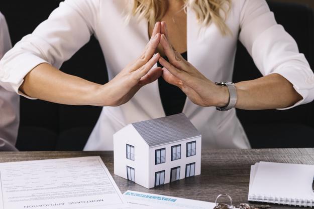 Kvindelig ejendomsmægler Amager