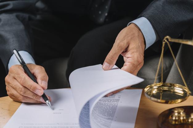 Advokatrådgivning til private og virksomheder